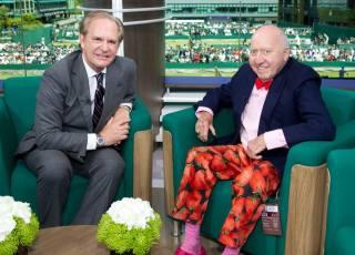 Lindos lompas los del comentarista de tenis, Bud Collins. Las frutillitas van como loco (?)