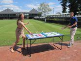 En Newport, no solo se juega al tenis. El mini ping-pong es furor (?)